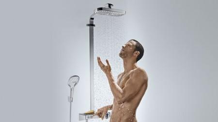 hg_raindance-select-showerpipe_showering-man_730x411